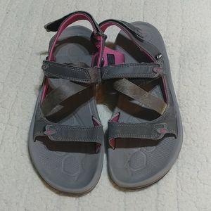 Women's Columbia sandals size 11